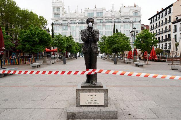 Estatua del poeta Federico García Lorca, en