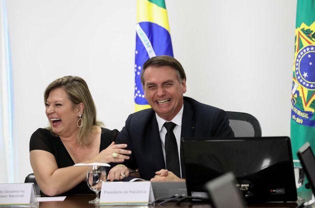 Joice e Bolsonaro em foto de agosto de 2019, antes do rompimento; Deputada do PSL foilíder...
