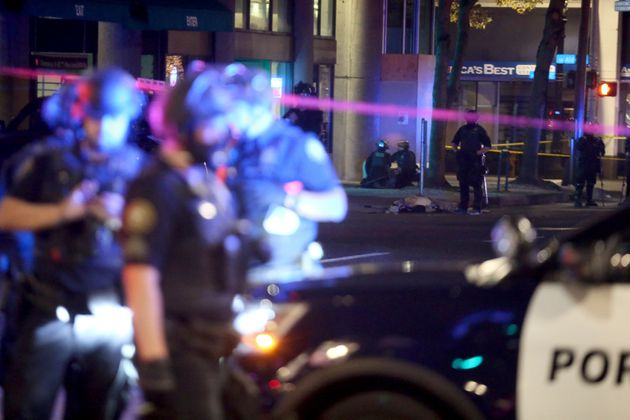 Les coups de feu ont été entendusà 20 h 46, soit 16 minutes après le...