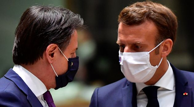 Conte e Macron studiano un'intesa per fare tamponi alla frontiera. Il virus corre