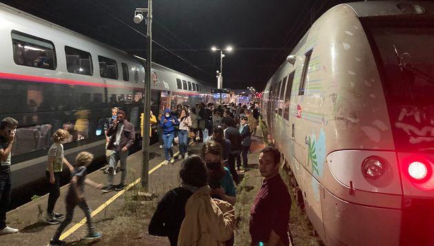 Dans la nuit du dimanche 30 au lundi 31 août, les passagers de plusieurs TGV reliant le sud-ouest à Paris...