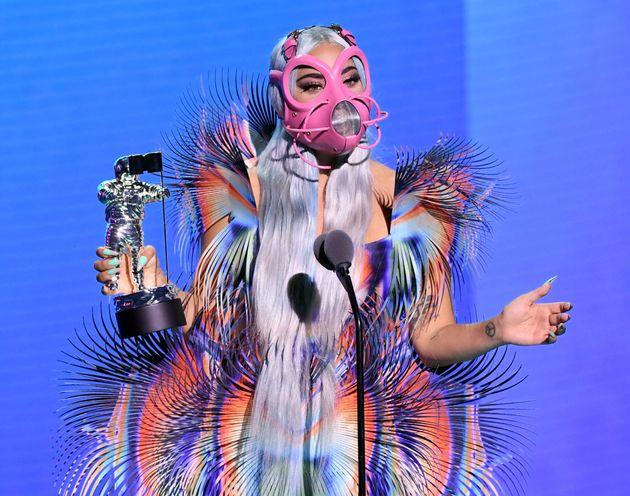 Lady Gaga domina gli Mtv Video Awards e porta a casa 5