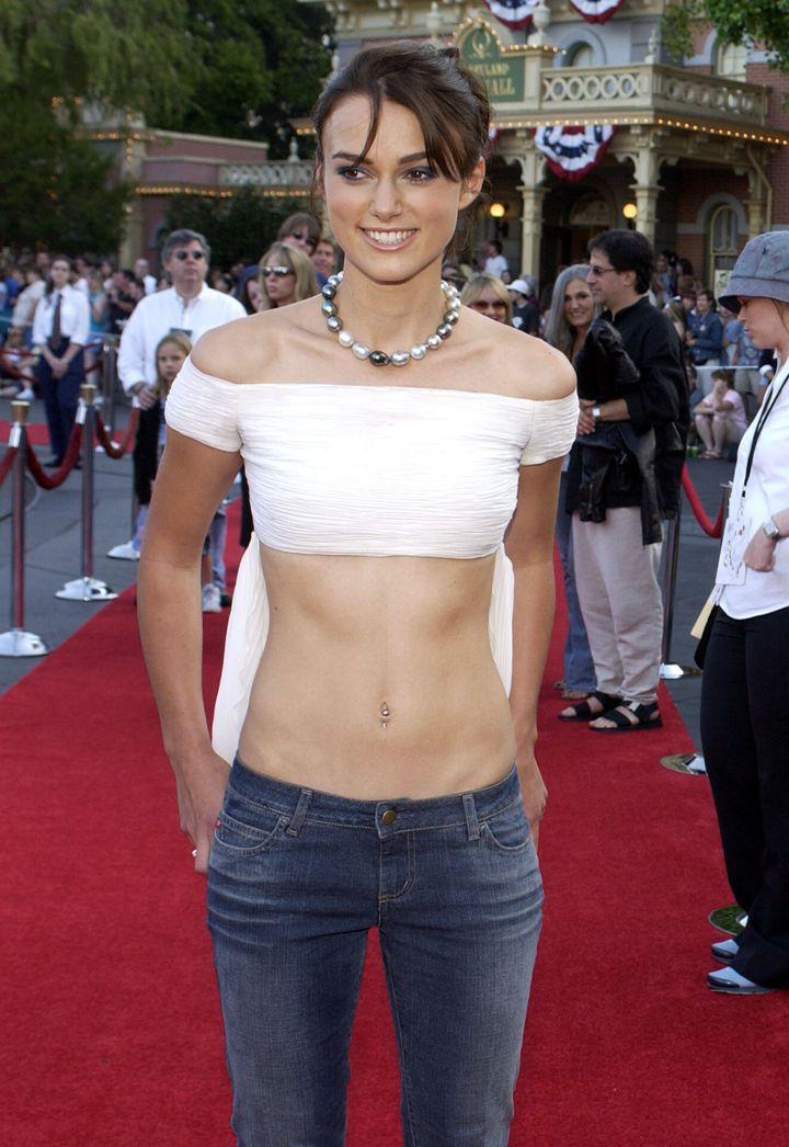 Keira Knightley en el estreno de <i>Piratas del Caribe</i> en junio de 2003.