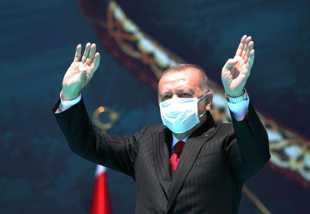 Συνεχίζει τις προκλήσεις ο Ερντογάν με νέες εμπρηστικές