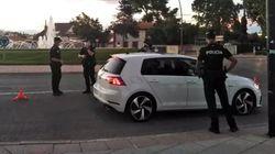 Un policía de San Martín (Madrid) dispara al aire acorralado por jóvenes a los que pidió que se pusieran la