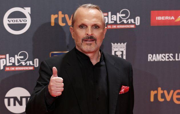 Miguel Bosé llega a la ceremonia de los Premios Platino, en Madrid, el sábado 22 de julio...