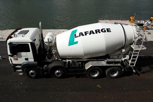 Le cimentier Lafarge est accusé de polluer volontairement la Seine en y rejetant des déchets...