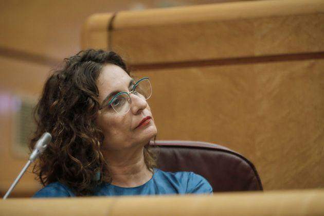 La portavoz del Gobierno y ministra de Hacienda, María Jesús Montero, en una sesión de control al Gobierno en el Senado.
