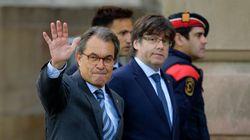 Mas se desmarca de Puigdemont y se mantiene en el
