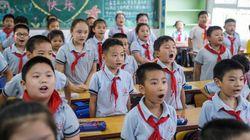 A Wuhan si torna in classe: i bambini rientrano a scuola, senza obbligo di