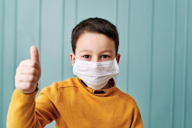 Οδηγίες για τη σωστή χρήση μάσκας από τα μικρά