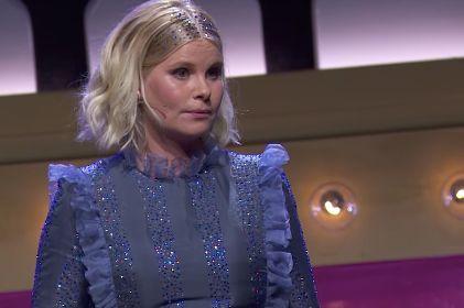 デンマークの女優・コメディアンのソフィ・リンデ (Sofie