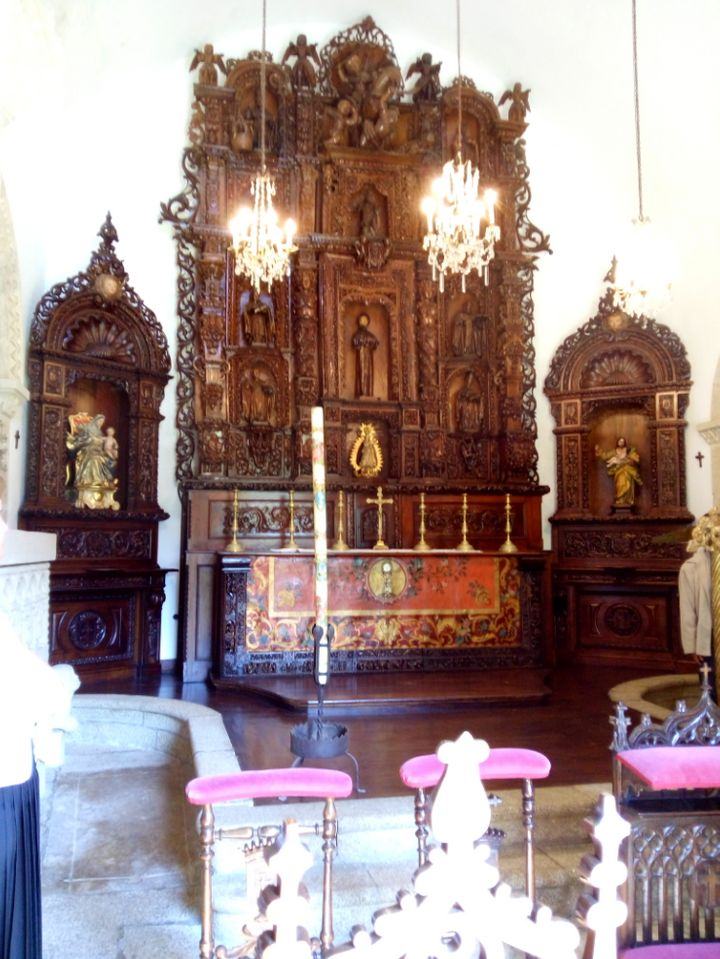 Retablo de la capilla del Pazo de Meirás.