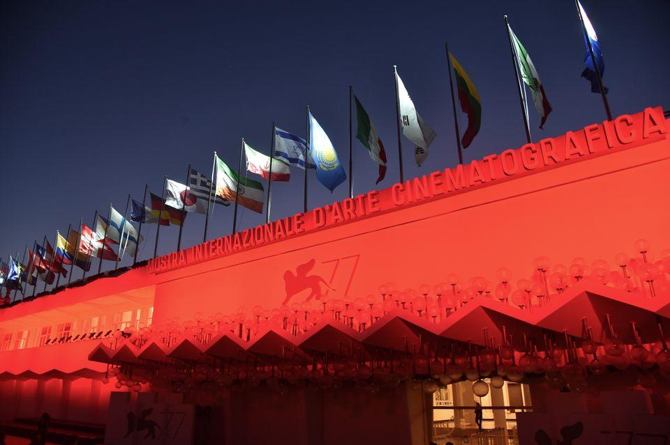 Το Φεστιβάλ Βενετίας σηκώνει αυλαία: Η ελληνική συμμετοχή με τηνταινία «Μήλα»και πρωταγωνιστή τον...