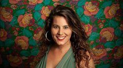 Η Κατερίνα Πολέμη με μια αγκαλιά «Λουλούδια στον Κήπο» του Μεγάρου και σπέσιαλ γκεστ την Δήμητρα