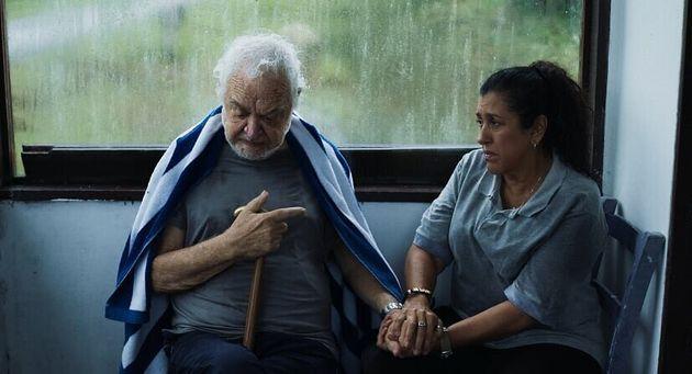 'O tempo passa e o filme vai ficando mais atual', diz diretora sobre 'Três