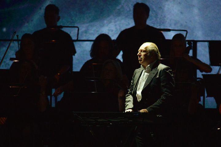 "Hans Zimmer scored the new version of ""Planet Earth"" alongside collaborator Jacob Shea."