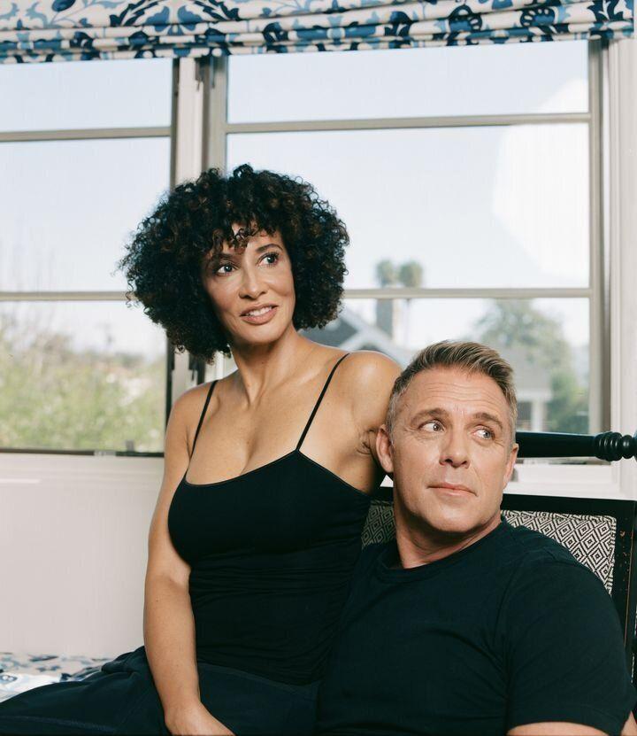 L'auteure et son conjoint.
