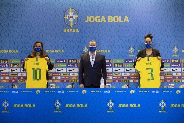 Duda Luizelli, Rogério Caboclo e Aline Pellegrino (da esq. para a direita), durante coletiva de