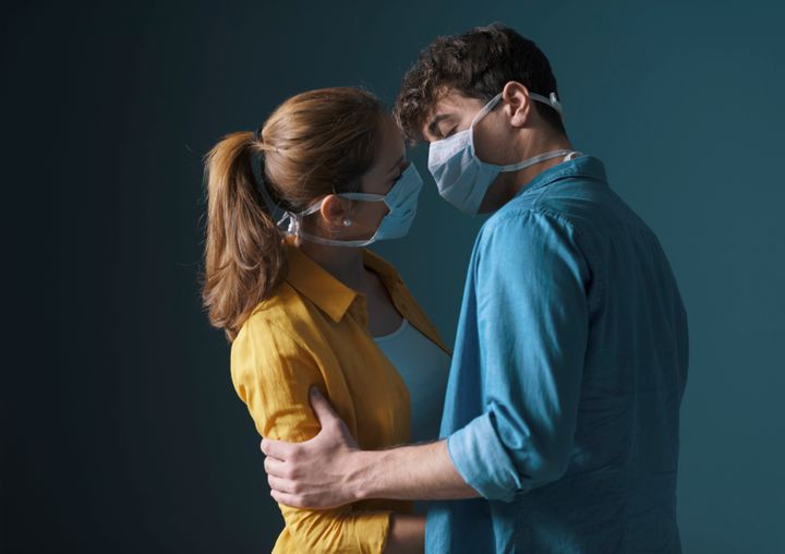 Canada's top doctor is recommending people wear face masks during sex.