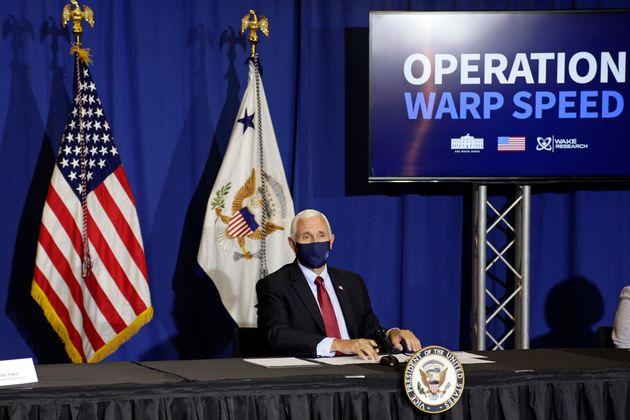 트럼프 정부는 코로나19 백신 개발을 최대한 앞당기기 위한 이른바 '초고속 작전(Operation Wrap Speed)'을 벌여왔다. 사진은 3상 임상시험이 진행되고 있는 NC바이오테크놀로지를...