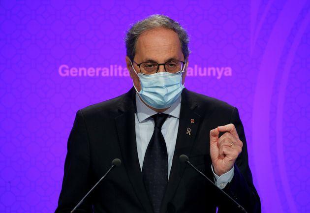 El president de la Generalitat, Quim Torra, en una rueda de prensa para informar sobre el