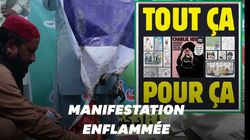 Le drapeau français brûlé dans une manifestation anti-Charlie Hebdo au
