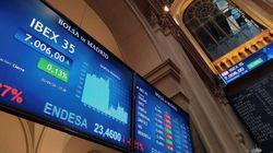 La Bolsa bendice el acuerdo: Bankia se dispara un 30% y Caixabank, un