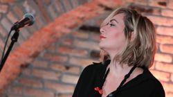 Η Ρίτα Αντωνοπούλου τραγουδάει Μελίνα