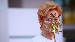 Οι μάσκες - αριστουργήματα της Τίλντα Σουίντον στο Φεστιβάλ Βενετίας κι ο ιερός