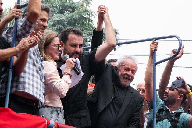 Apesar de Boulos ter ganhado a afeição de Lula ao coordenar atos contra sua prisão,...