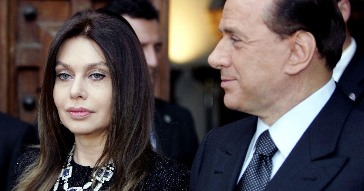 """""""Sono addolorata"""". Il messaggio di Veronica Lario a Silvio Berlusconi thumbnail"""