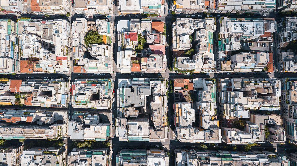 Απομακρύνονται οι ιδιοκτήτες από την βραχυχρόνια μίσθωση – Σε ποιες περιοχές και πόσο μειώθηκαν τα