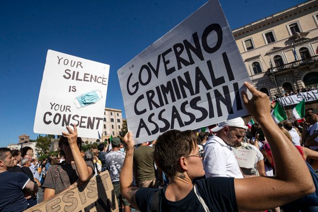 No mask raduno a Roma,