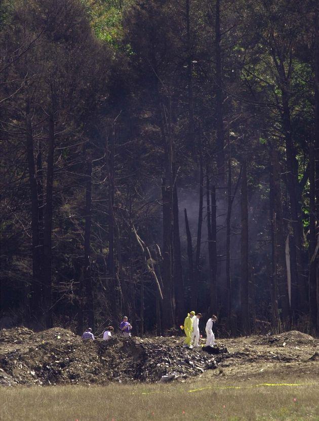 ペンシルベニア州シャンクスビルにあるユナイテッド航空93便の墜落現場。44人の乗客・乗員は全員死亡した(2001年9月12日)