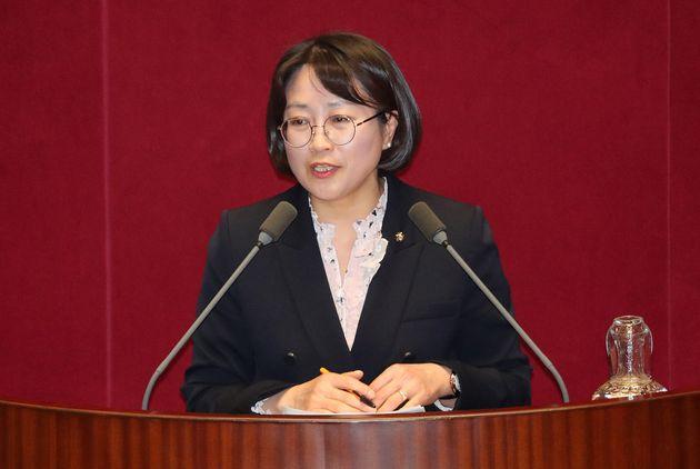 (자료사진) 추혜선 정의당 의원이 29일 오후 서울 여의도 국회에서 열린 제337회 국회(임시회) 제2차 본회의에서 인터넷전문은행법 개정안에 대한 반대 토론을 하고 있다.