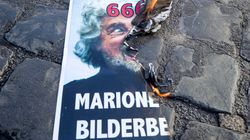 Beppe Grillo ai No Mask: