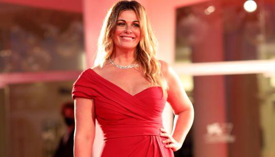 Vanessa Incontrada splendente sul red carpet di Venezia è il vero messaggio di