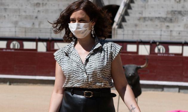 La presidenta de la Comunidad de Madrid, Isabel Díaz ayuso, en Las Ventas el 17 de julio de 2020...