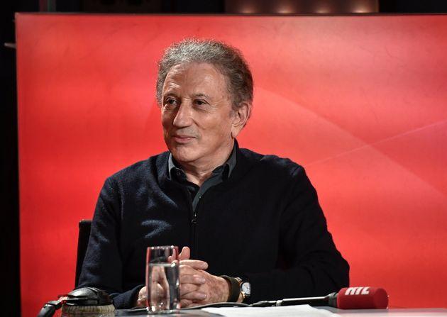 Michel Drucker, 77 ans, sera toujours à l'antenne de France Télévisions en cette...