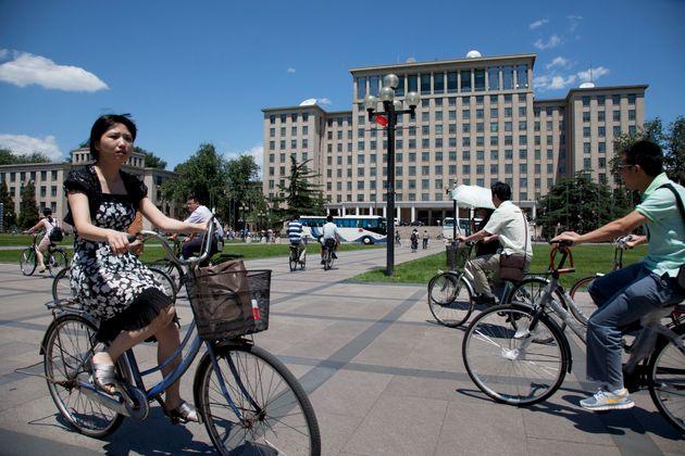 中国・北京にある清華大学。習近平国家主席の母校でもあり、特に理数系の評判が高い (Photo by In Pictures Ltd./Corbis via Getty