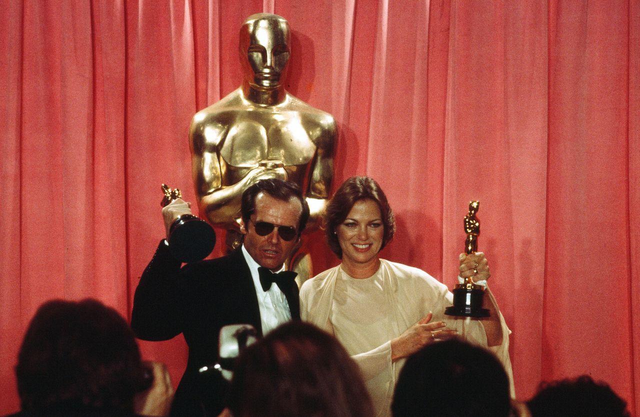 Jack Nicholson and Fletcher backstage at the 1976 Oscars.
