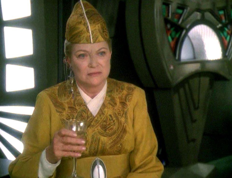 """Fletcher em um episódio da série""""Jornada nas Estrelas: Deep Space"""