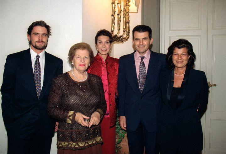 Από αριστερά, οι Τζέιμς, Ουάντα, Αμάντα, Φερούτσιο κι η σχεδιάστρια παπουτσιών Φιάμο ντε σαν Τζιουλιάνο Φεραγκάμο λίγο πριν από οικογενειακό δείπνο.