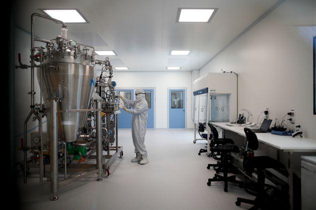 Κορονοϊός: Η AstraZeneca θα γνωρίζει αν το εμβόλιό της είναι αποτελεσματικό ως το τέλος του