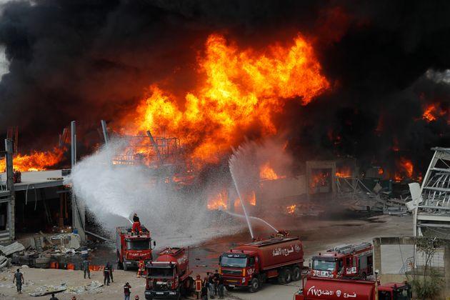 Λίβανος: Νέα μεγάλη πυρκαγιά στο λιμάνι της Βηρυτού ένα μήνα μετά την
