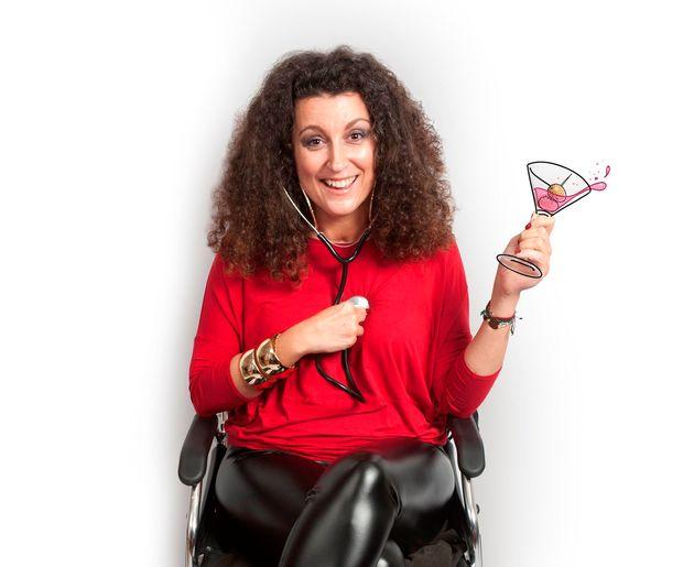 «Best of: Φέτα, Sex και Αναπηρία»: Λίγο πριν το sold out η παράσταση της Κατερίνας Βρανά στον Κήπο του