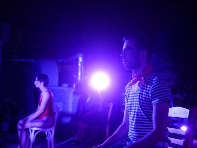 Γράμματα - 1,5 μέτρο μακριά: Οι ΟΔΟΣ στην Ταράτσα του Εμπρός για τέσσερις