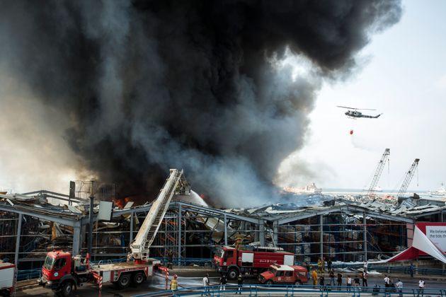 Un altro incendio al porto di Beirut. Nella città traumatizzata tornano paura e