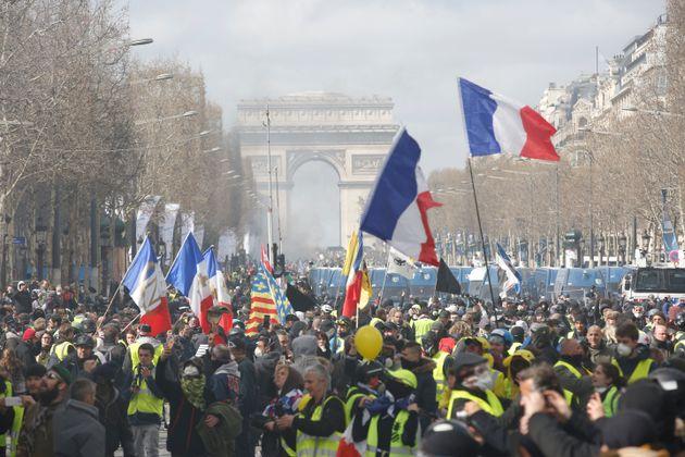 Les Manifestations De Gilets Jaunes Interdites Samedi Dans Ces Secteurs De Paris Le Huffpost